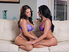 Pussy-licking brunette lesbians